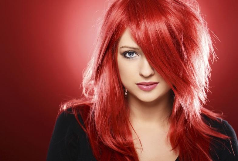 cabelos vermelhos com tintas intensos
